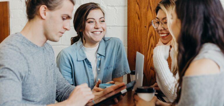 Jongeren maken online vrienden bij Join us